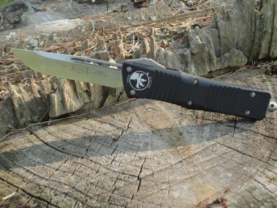 Microtech 143-4 Combat Troodon - Black Handle, Satin Single Edge Blade