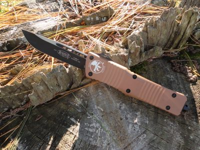 Microtech 143-1TA Combat Troodon - Tan Handle, Black Blade